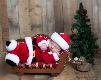 Santa Baby St louis newborn photographer Sugarfoot Photography
